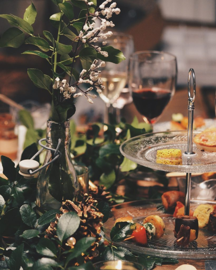 Your Guide to Hosting a Truly Elegant, Wine-Soaked New Year's Eve Party