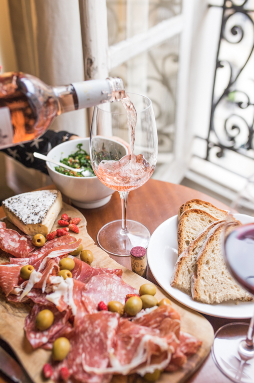 The Dos and Don'ts of Bringing Wine to a Restaurant
